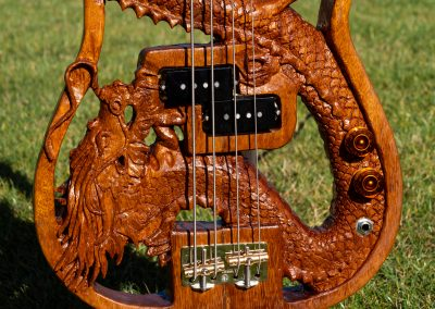 custom-carved-guitars-small-1033194