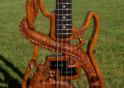 custom-carved-guitars-small-1033198