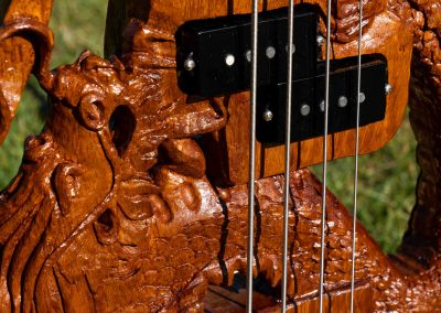 custom-carved-guitars-small-1033202