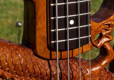 custom-carved-guitars-small-1033203