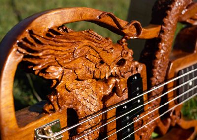 custom-carved-guitars-small-1033223