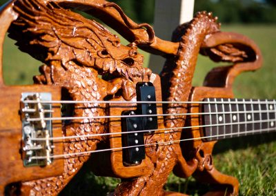 custom-carved-guitars-small-1033228