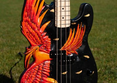 custom-carved-guitars-small-1033245