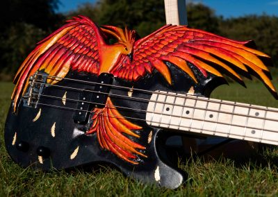 custom-carved-guitars-small-1033284